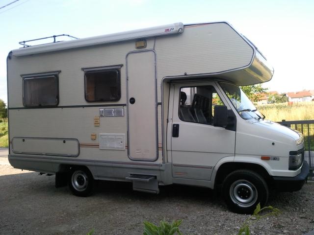 wc,tuš.itd CIJENA:10000eur moguča zamjena  Camp kucice i -vozila