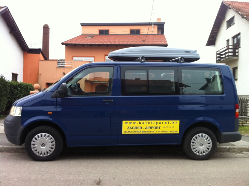 RENT-A-KOMBI VW T5 SHUTTLE  ZA 8 OSOBA