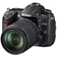 Nikon D7000 16.3MP + 18-105mm objektivFoto i Video