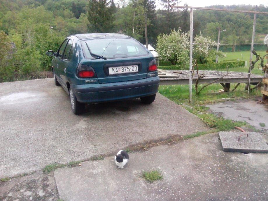 Prodajem Renault MeganeVozila